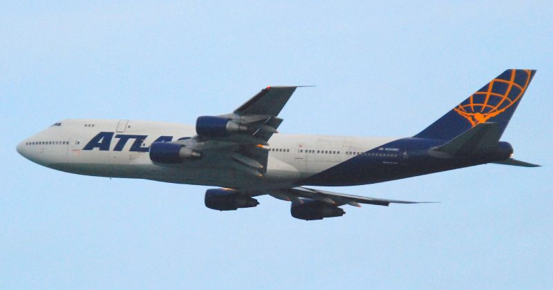Boeing 747-300sf cargo plane
